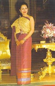 พระราชประวัติ พระราชินี สมเด็จพระนางเจ้าสิริกิติ์ พระบรมราชินีนาถ